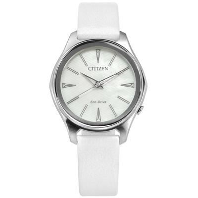 CITIZEN 限量光動能白蝶貝日期日本機芯皮革手錶-銀白色/37mm