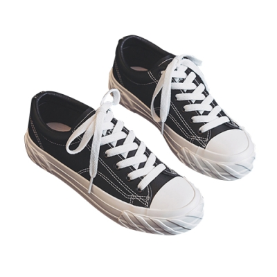 鞋頭輪胎紋帆布鞋 共二色 TATA