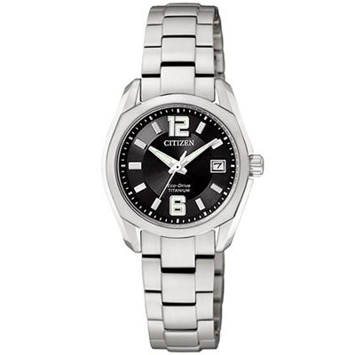 CITIZEN 都會雅痞光動能時尚錶(鈦金屬帶-黑/小)-21mm