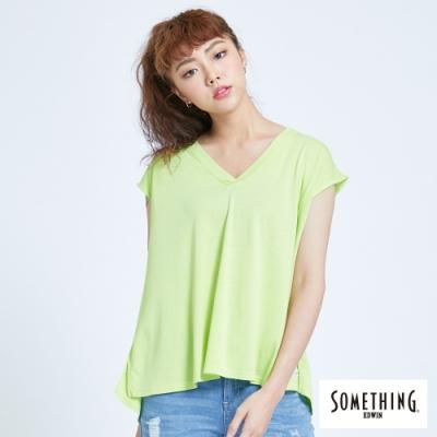 SOMETHING 清新休閒 V領連袖T恤-女-嫩綠色