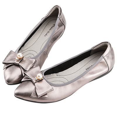 Robinlo甜美浪漫蝴蝶結珍珠飾扣尖頭平底鞋 錫灰