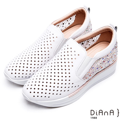 DIANA 絕美清透—鏤空蕾絲鑽面真皮厚底休閒鞋-白