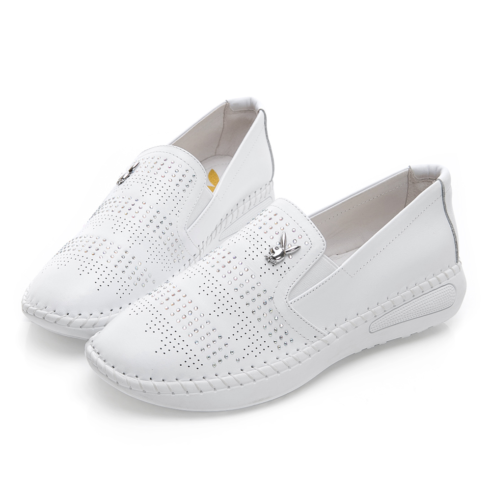 PLAYBOY亮眼聚焦 沖孔排鑽真皮休閒樂福鞋-白