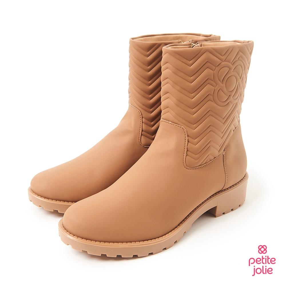 Petite Jolie-V字壓紋短筒靴-牛奶糖