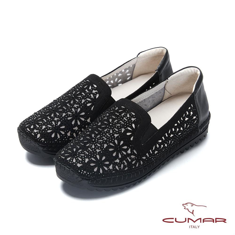 CUMAR悠遊輕井澤-水鑽裝飾花形鏤空休閒鞋-黑