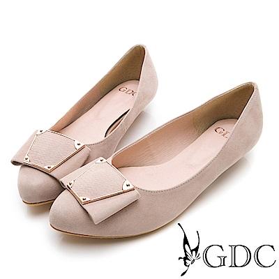 GDC-真皮時尚簡約個性方扣質感尖頭低跟包鞋-香檳色
