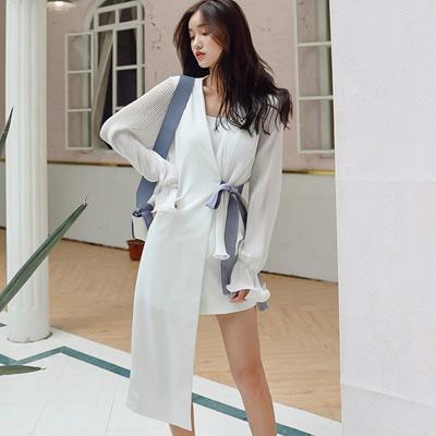 不對稱荷葉袖上衣+西裝高腰短褲兩件套 (短褲)-Kugi Girl