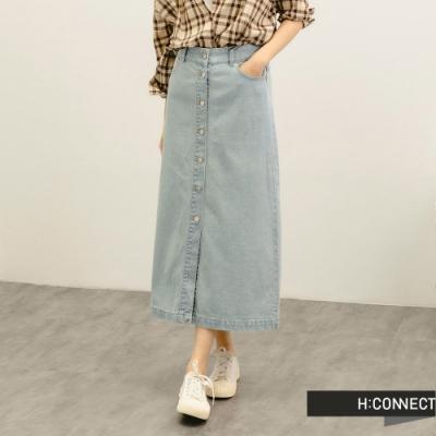 H:CONNECT 韓國品牌 女裝 -質感牛仔排扣中長裙-淺藍色