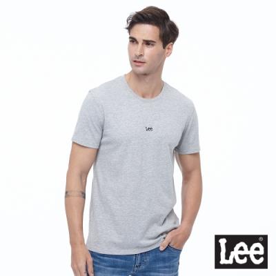 Lee 短T 小Logo布標 圓領T 男款-灰色