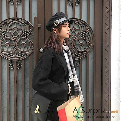 A-Surpriz 皮革大扣環貝蕾帽(黑)