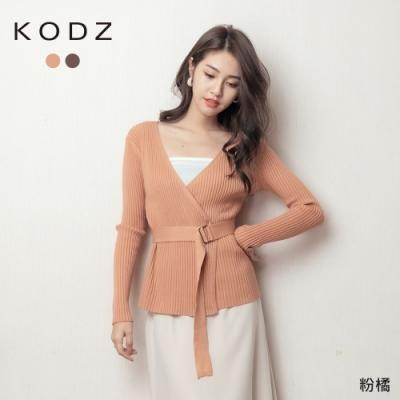 東京著衣-KODZ 歐逆感交疊V領釦環腰帶直坑條針織上衣(共二色)