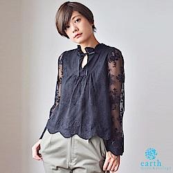 earth music 花朵刺繡蕾絲透膚寬袖上衣