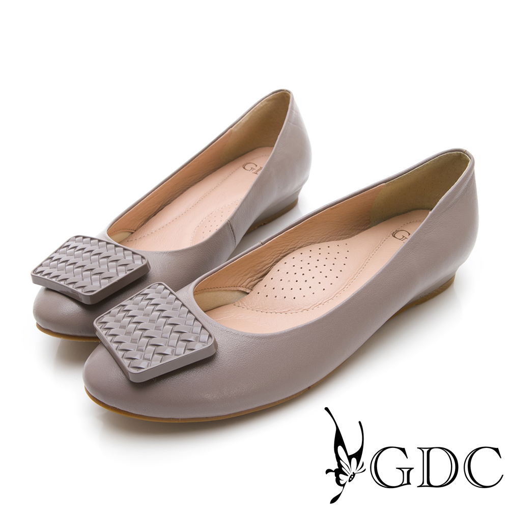 GDC-羊皮特殊扣飾設計感歐美風低跟包鞋-灰色