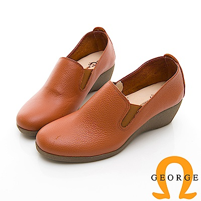 【GEORGE 喬治皮鞋】心機時尚素面增高楔型鞋-棕色