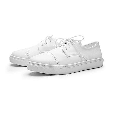 BuyGlasses 簡約個性風綁帶休閒鞋-白