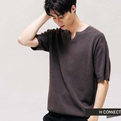 H:CONNECT 韓國品牌 男裝 -純色V領針織上衣-咖啡色