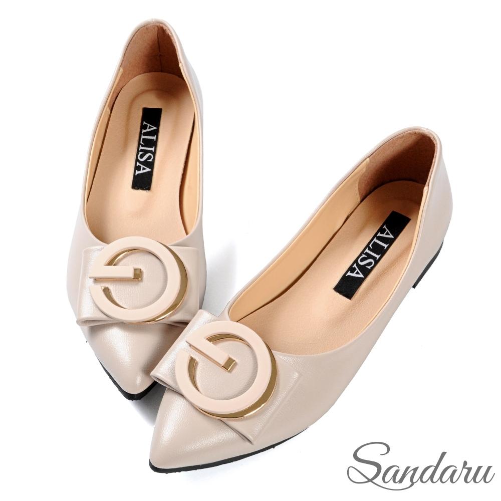 山打努SANDARU-尖頭鞋 美型大金飾釦平底娃娃鞋-米