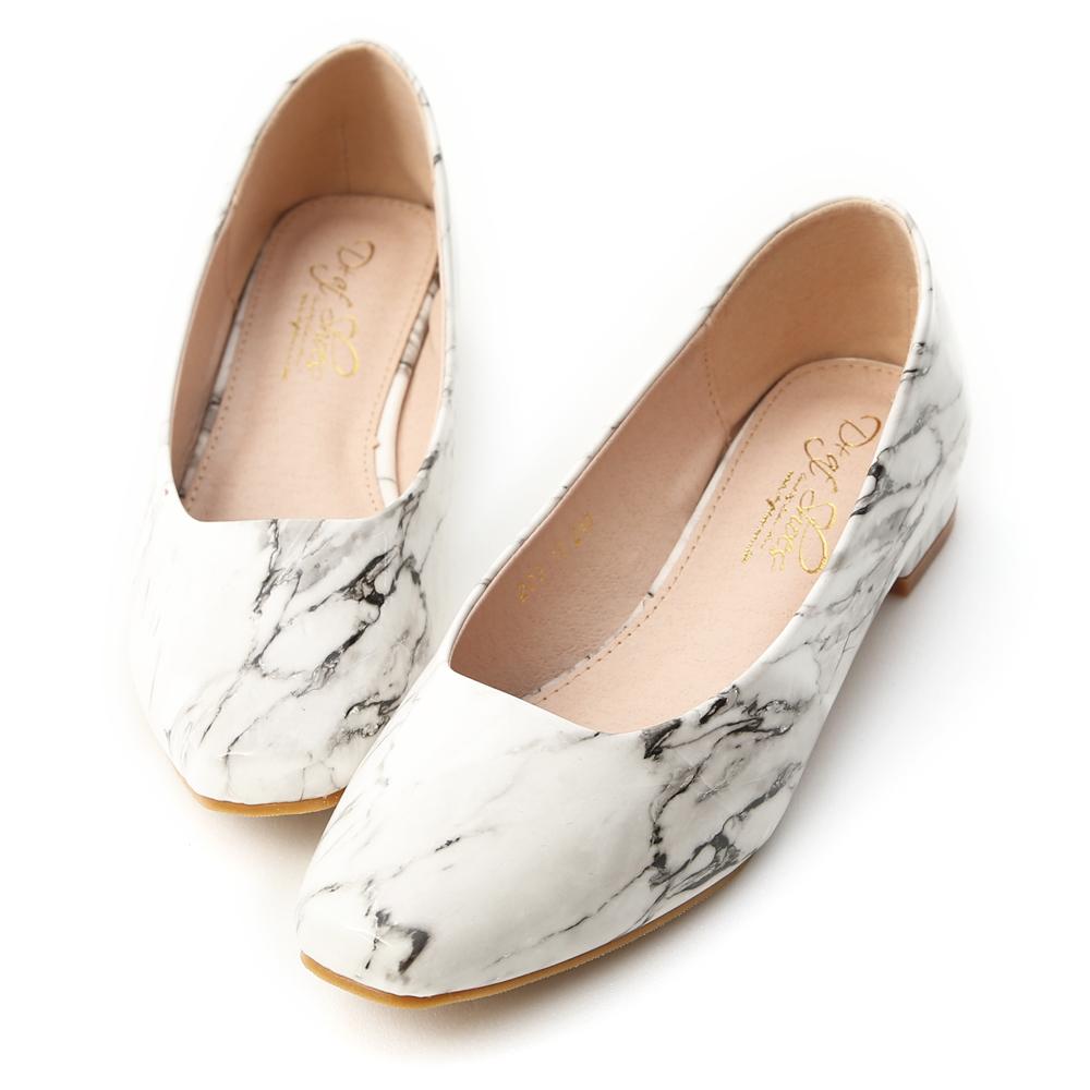 D+AF 輕透春氛.素面小方頭漆皮低跟鞋*白