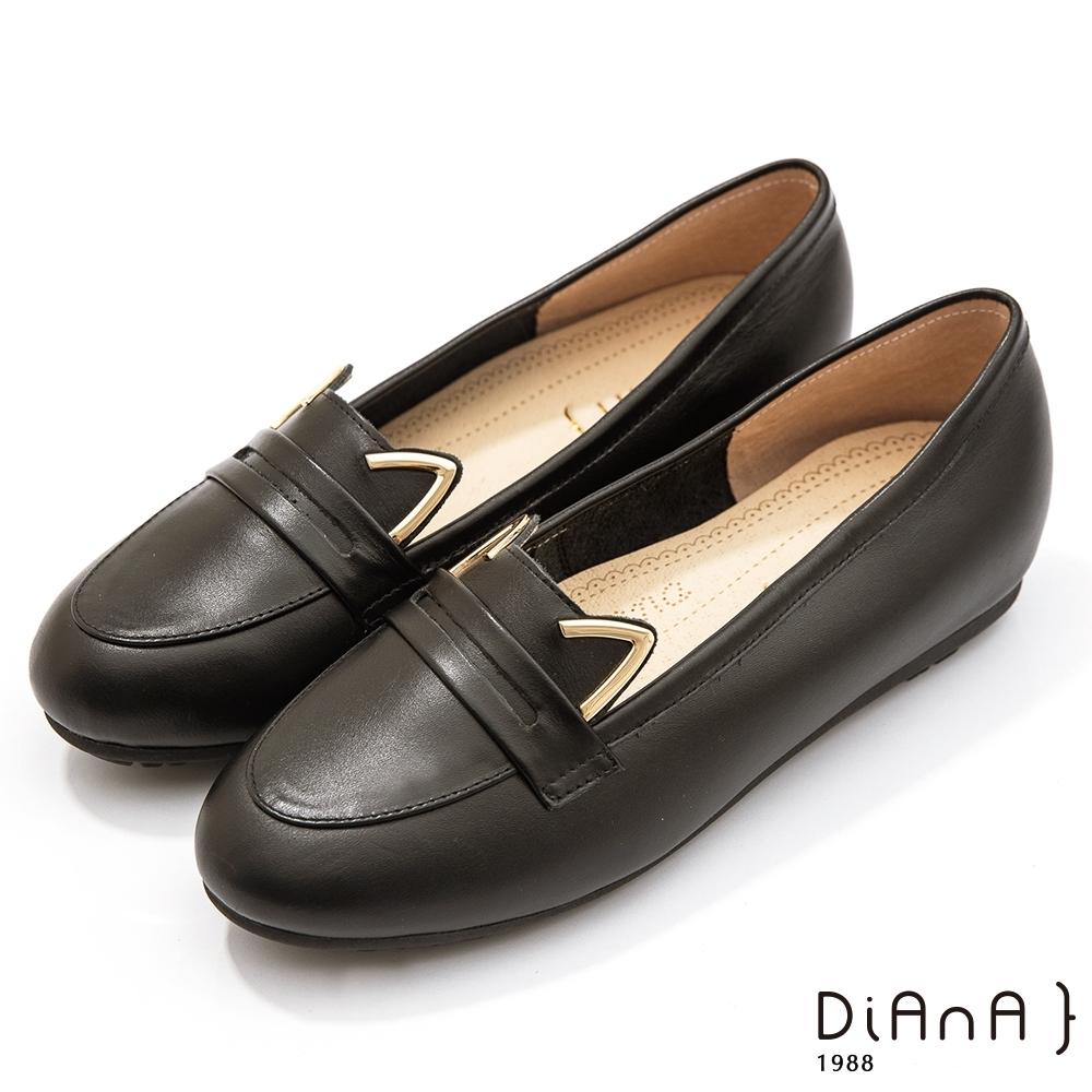 DIANA 1.5 cm軟臘牛皮金屬貓耳飾樂福便士娃娃鞋–漫步雲端焦糖美人–小黑貓