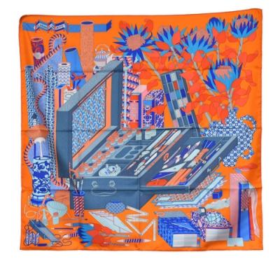 HERMES 經典Les Trésors d un Artiste圖騰絲質方巾/披巾(橘)