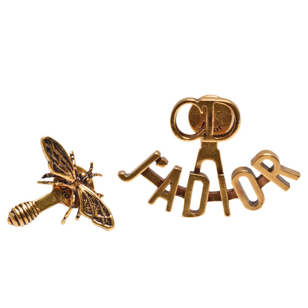 DIOR 經典J Adior系列鍍金復古金屬不對稱蜜蜂造型穿式耳環(金)