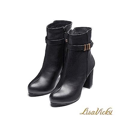 LisaVicky保暖內鋪毛環扣皮革粗高跟短靴-黑色