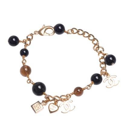 CHANEL 經典雙C LOGO香水墜飾大小珠珠串連手鍊(黑X金)