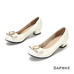 達芙妮DAPHNE 低跟鞋-優雅蝴蝶結漆皮粗跟鞋-米白