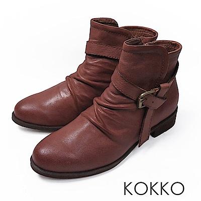 KOKKO-極致品味真皮抓皺平底短靴-焦糖拿鐵
