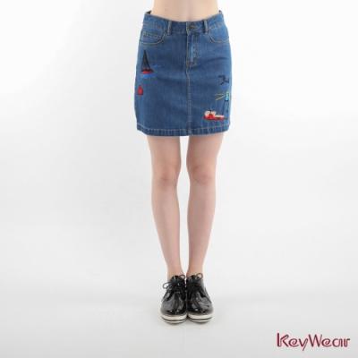 KeyWear奇威名品    童趣海洋風刺繡短裙-藍色