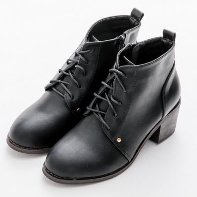 River&Moon中大尺碼-韓系微尖頭繫帶粗高跟短靴 黑