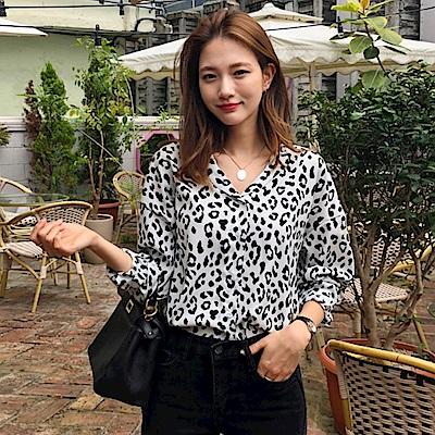 La Belleza豹紋點點立領排釦襯衫