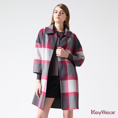KeyWear奇威名品    羊絨色塊格紋中長大衣-紫紅色