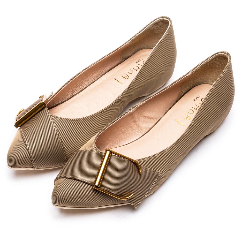 DIANA 明媚典雅--米蘭防潑水布釦帶尖頭平底鞋-卡其