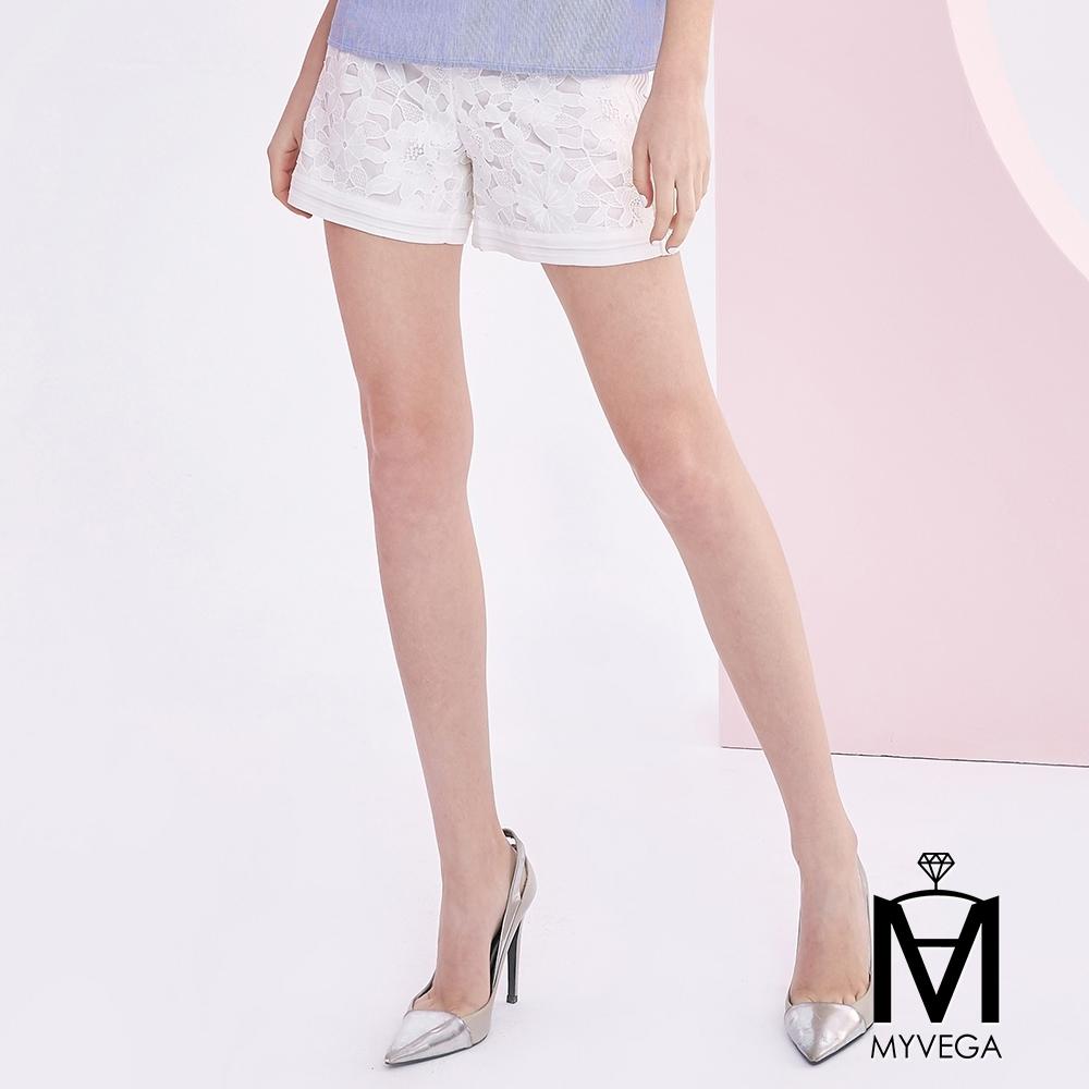 麥雪爾 MA鏤空花朵短褲
