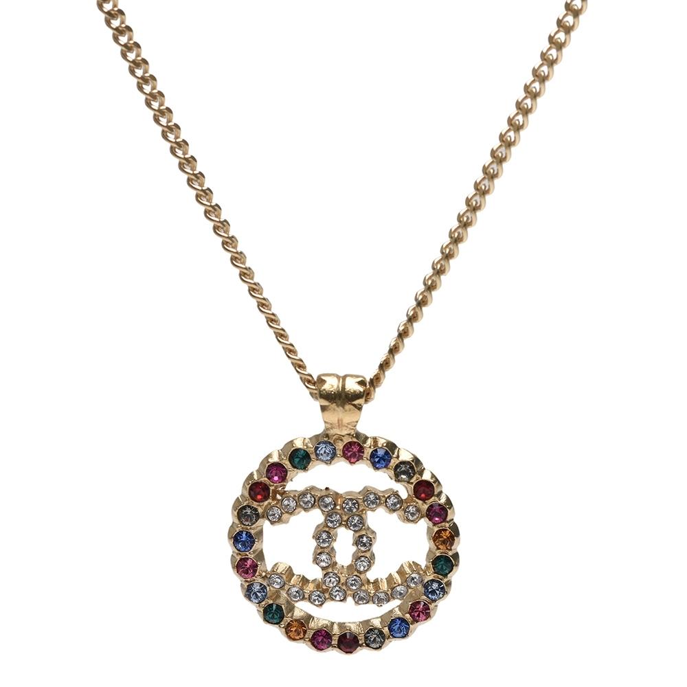 CHANEL 經典雙C LOGO彩色水鑽鑲飾圓形鏤空造型項鍊(金)