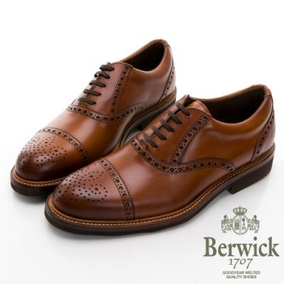【BERWICK】西班牙進口-圈圈橫飾徽章雕花牛津鞋 -棕 015007KM