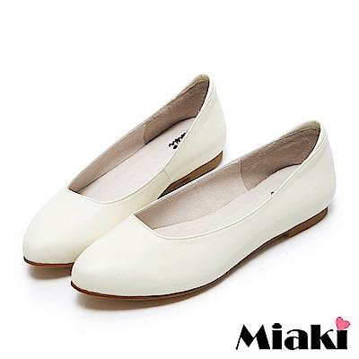 Miaki-通勤鞋真皮職場女伶低跟包鞋 白