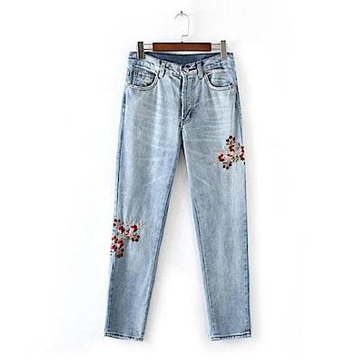 KT 花朵刺繡牛仔褲-藍