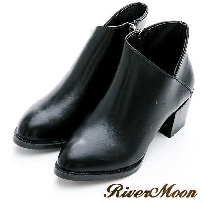River&Moon短靴-完美顯瘦側V微尖頭粗跟短靴-黑