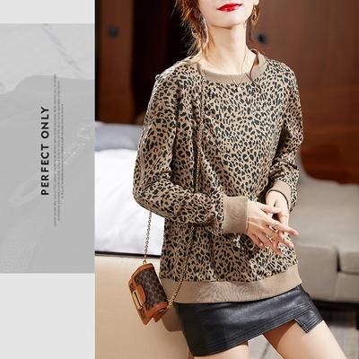 GF快時尚-修身清新點綴圓領豹紋印花袖子拉鍊造型上衣-豹紋(L-2XL)
