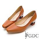 GDC-優雅可愛溫柔彩跟微方頭粗跟鞋-棕色