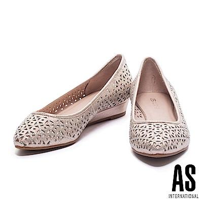 低跟鞋 AS 璀璨浪漫晶鑽沖孔造型尖頭低跟鞋-金