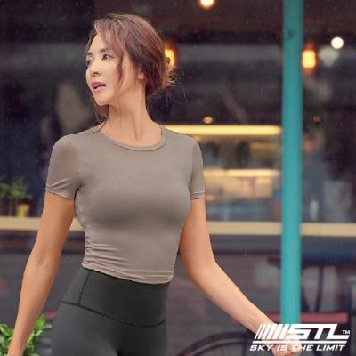 STL yoga 韓國瑜珈 ESSENCE line up 本質有肩線短版 短袖圓領上衣 奶茶Hazelnuts