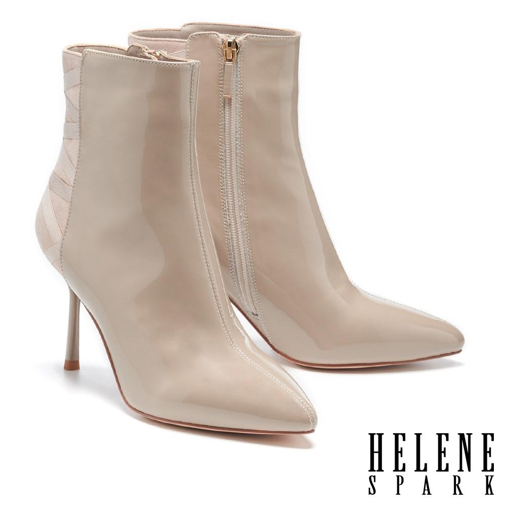 短靴 HELENE SPARK 時髦異材質交叉繫帶尖頭美型高跟短靴-米