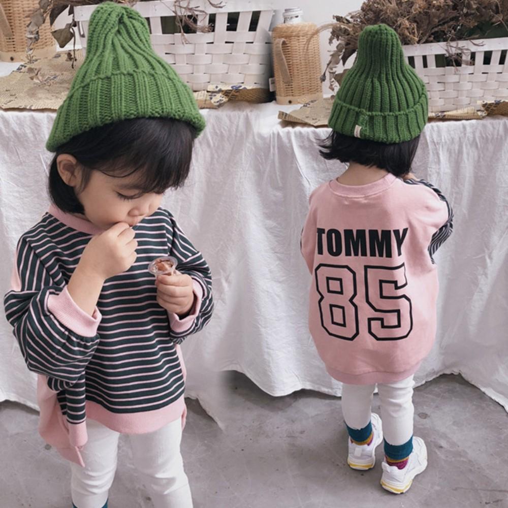 小衣衫童裝   兒童秋冬款數字85條紋前短後長拼接T恤1071110