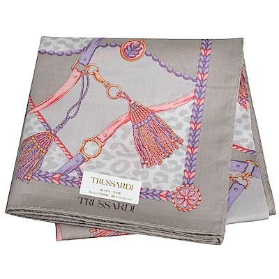 TRUSSARDI 經典品牌流蘇圖騰LOGO豹紋圖騰大帕領巾(灰色系)