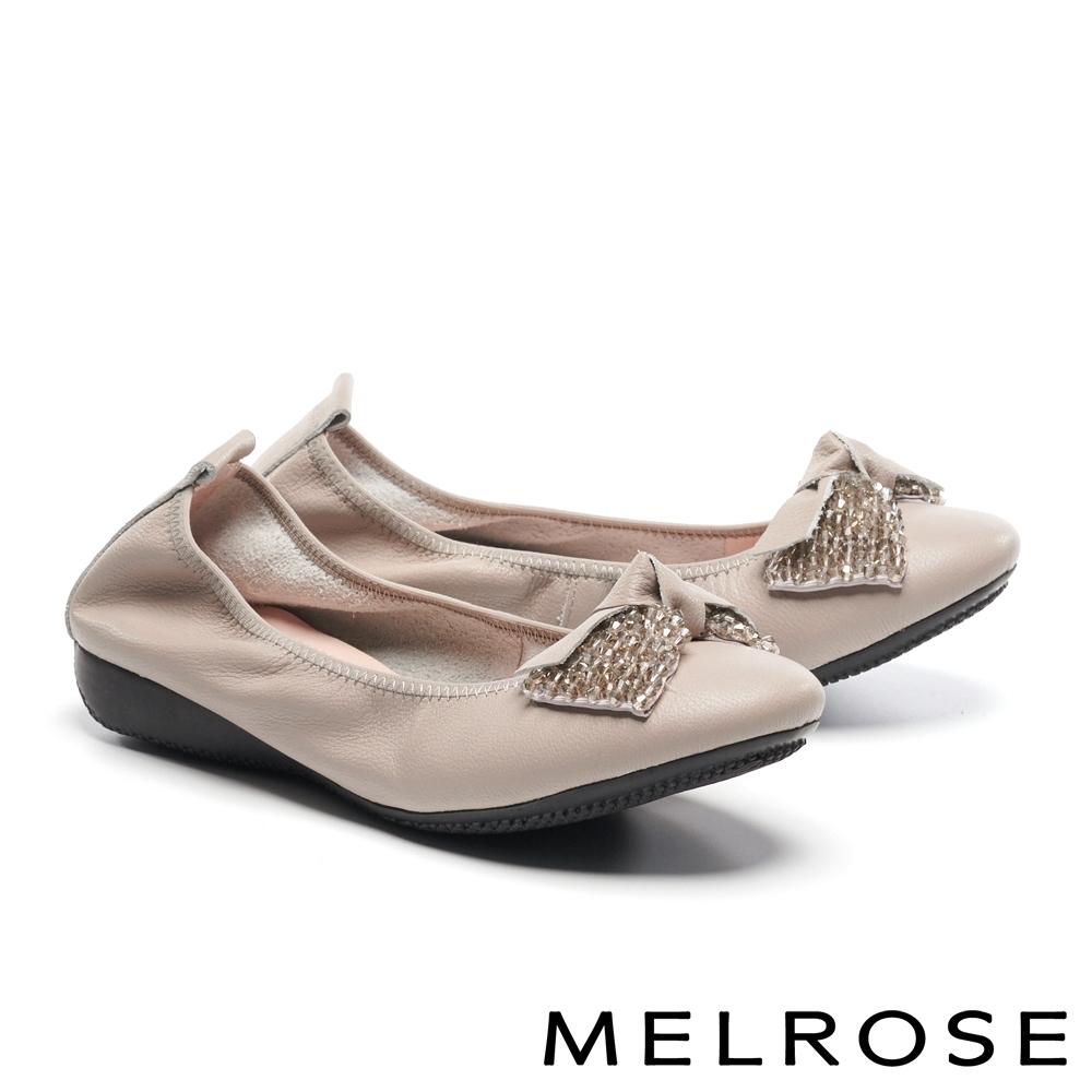 低跟鞋 MELROSE 舒適典雅角珠蝴蝶扭結牛皮楔型低跟鞋-米