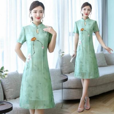 雅韻水漾綠花繡旗袍領短袖中國風側開叉洋裝S-3XL-REKO