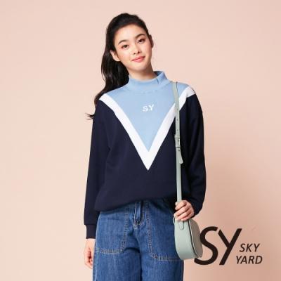 【SKY YARD 天空花園】倒三角撞色印花立領衛T上衣-藍色